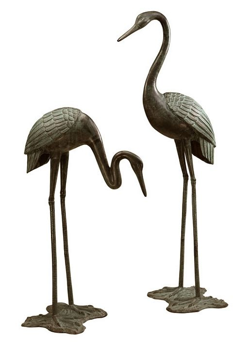Exceptionnel Large Bronze Garden Cranes Pair